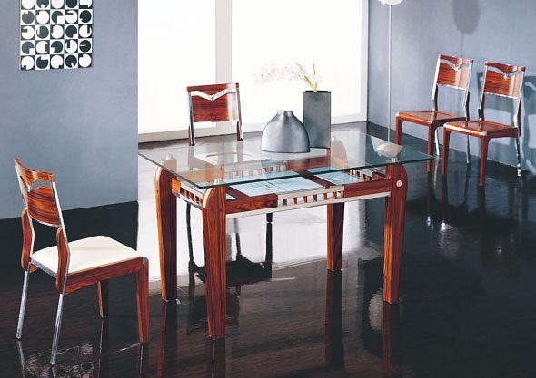 Обеденный стол из стекла Сакура