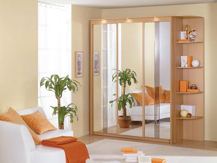 Как выбрать раздвижные двери для шкафов-купе